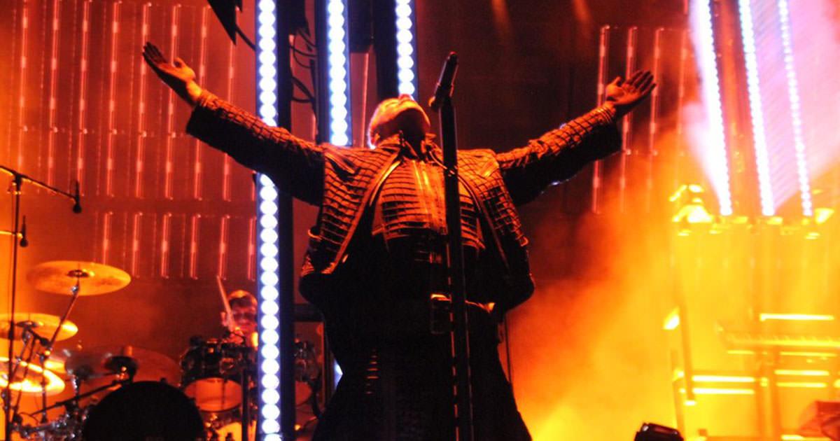 Rammstein regressam aos palcos três anos depois com tema inédito